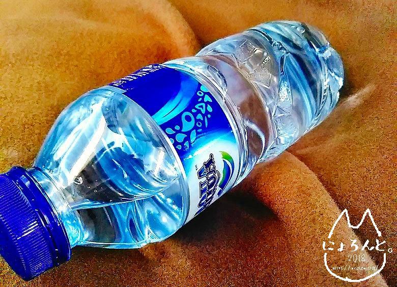 バリのスーパーで買った水