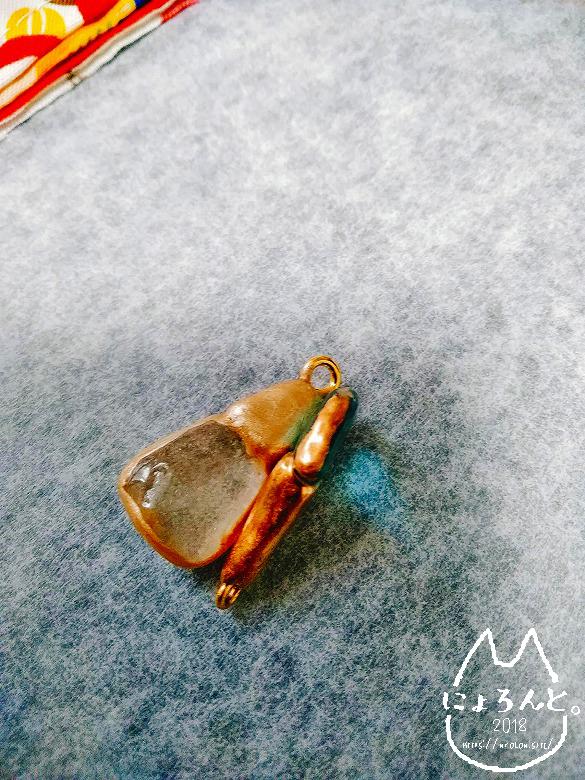 金マニキュアと金継ぎの塗り比較・横