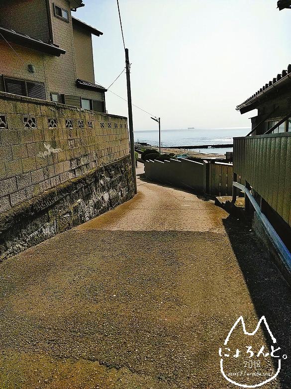「元名海岸」への道