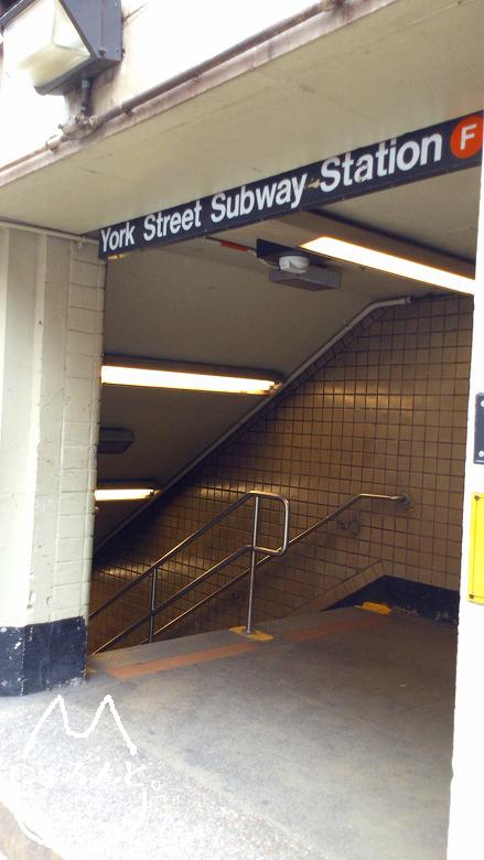 地下鉄のヨークストリート駅