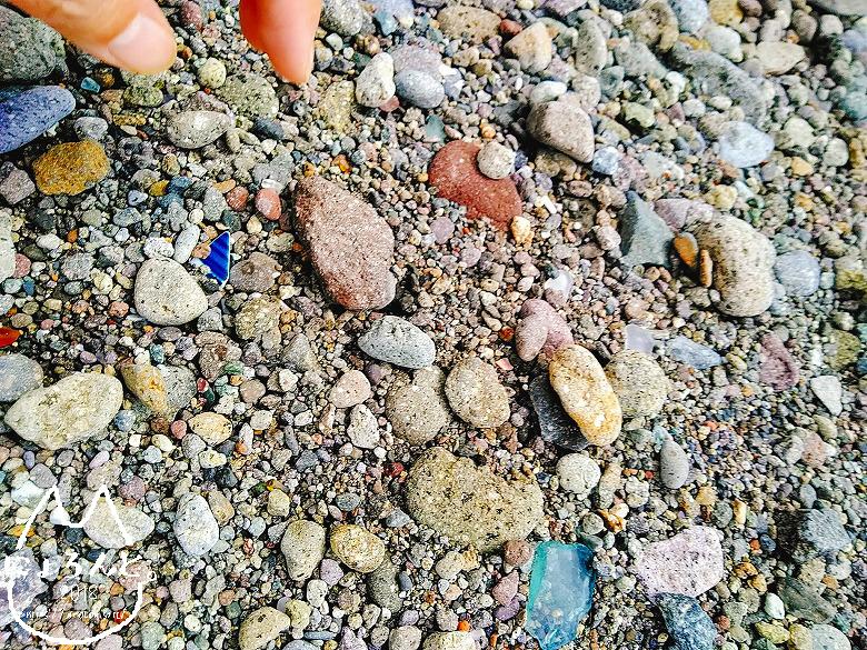 大田子海岸でビーチコーミング/浜のアップ
