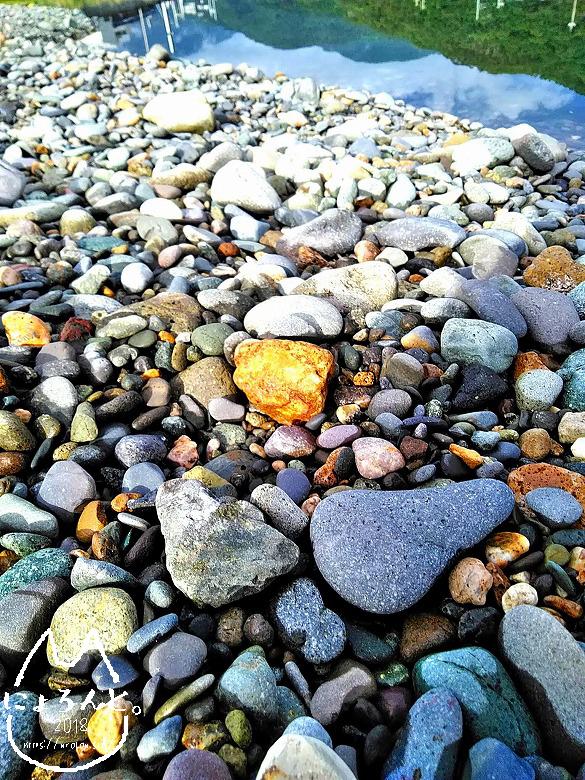 大浜海岸でビーチコーミング/川の石