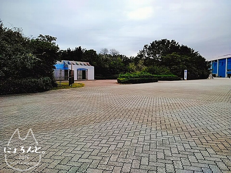 冬の幕張海岸2020・野球場のトイレ