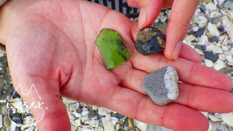 検見川浜でビーチコーミング/いろんな石
