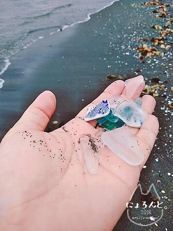 富津・竹岡萩生港北でビーチコーミング/陶片とシーグラス