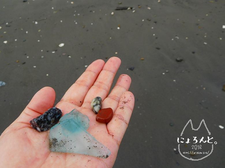 上総湊海浜公園でビーチコーミング/シーグラスと石