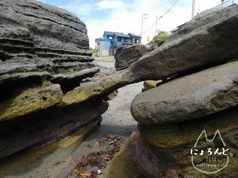 富津・竹岡(萩生/薬師堂近く)でビーチコーミング/洗濯岩