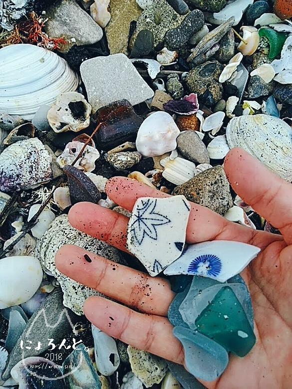 富津・竹岡萩生港南でビーチコーミング/陶片とシーグラス