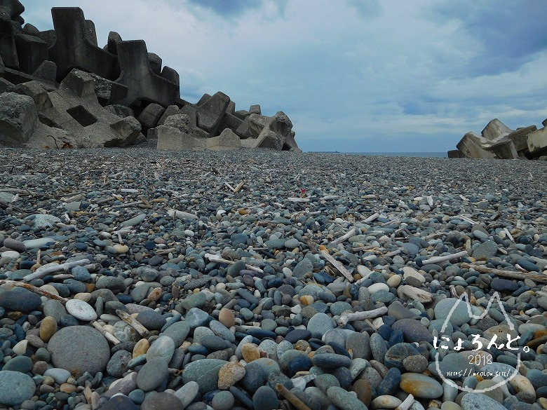 ヒスイ海岸(糸魚川海岸)でビーチコーミング/浜の様子