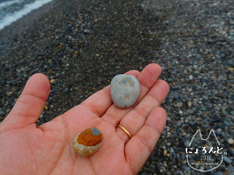 ヒスイ海岸(糸魚川海岸)でビーチコーミング/拾った石