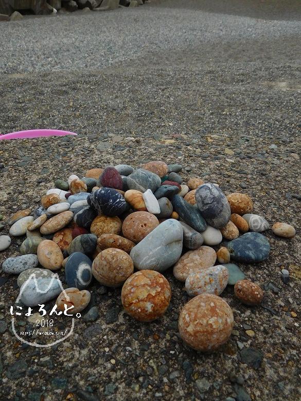 ヒスイ海岸(糸魚川海岸)でビーチコーミング/選別タイム